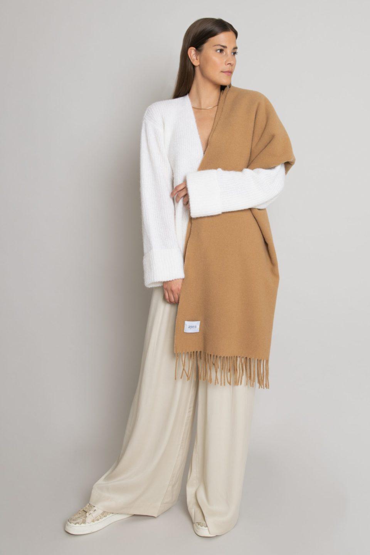 XL Wollschal mit Fransen – Camel