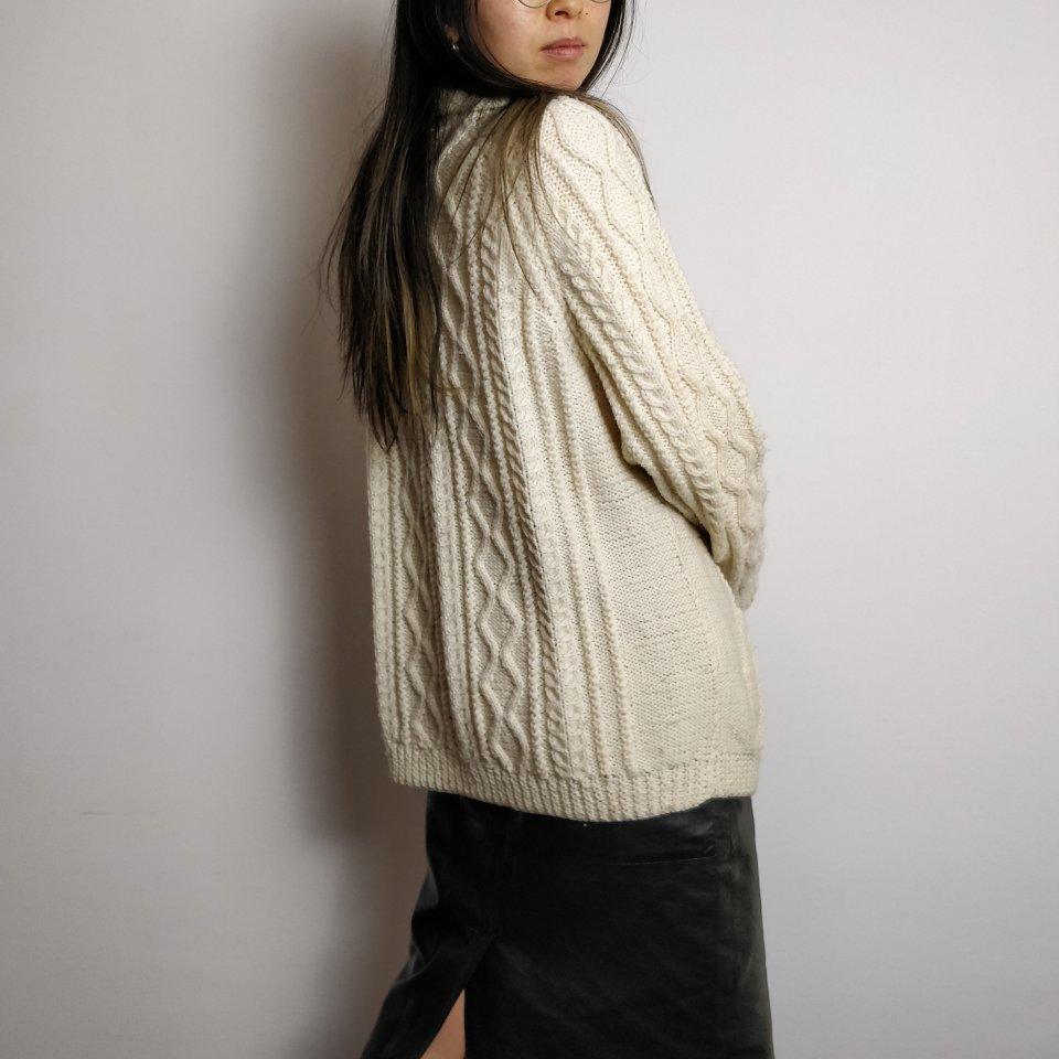 The crème de la crème   Vintage knit cardigan