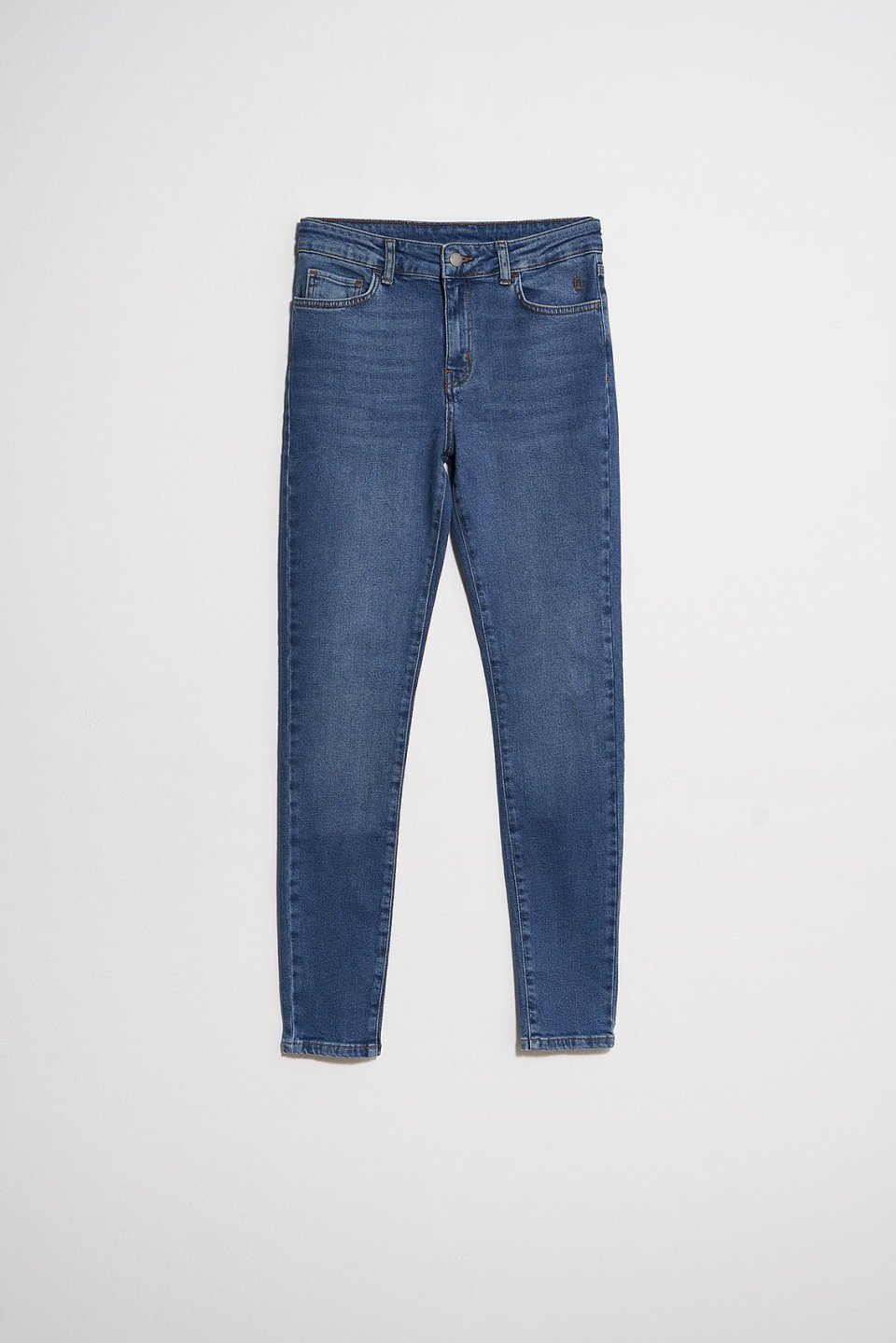 Mid Rise Slim Jeans ST302