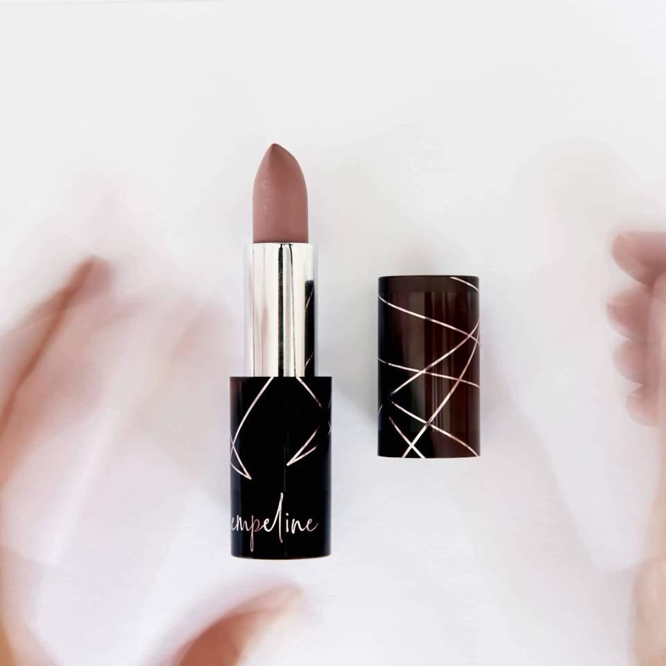 Seidenmatter Lippenstift nude creme