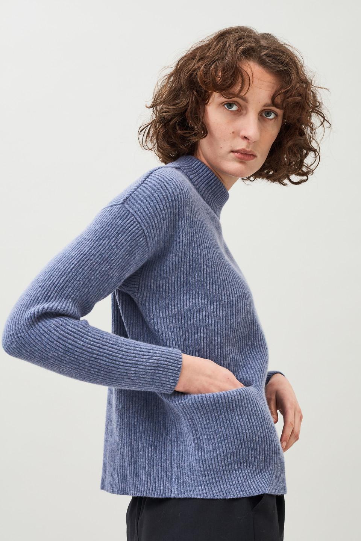 Helga Pocket Sweater - Daybreak blue