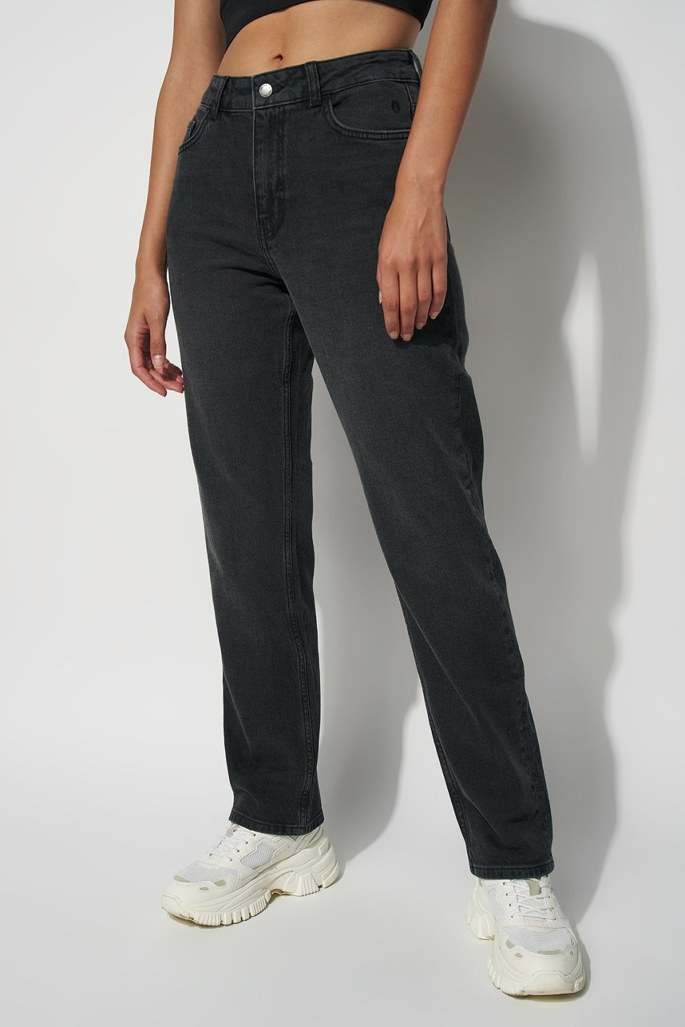 Mid Rise Straight Jeans ST101