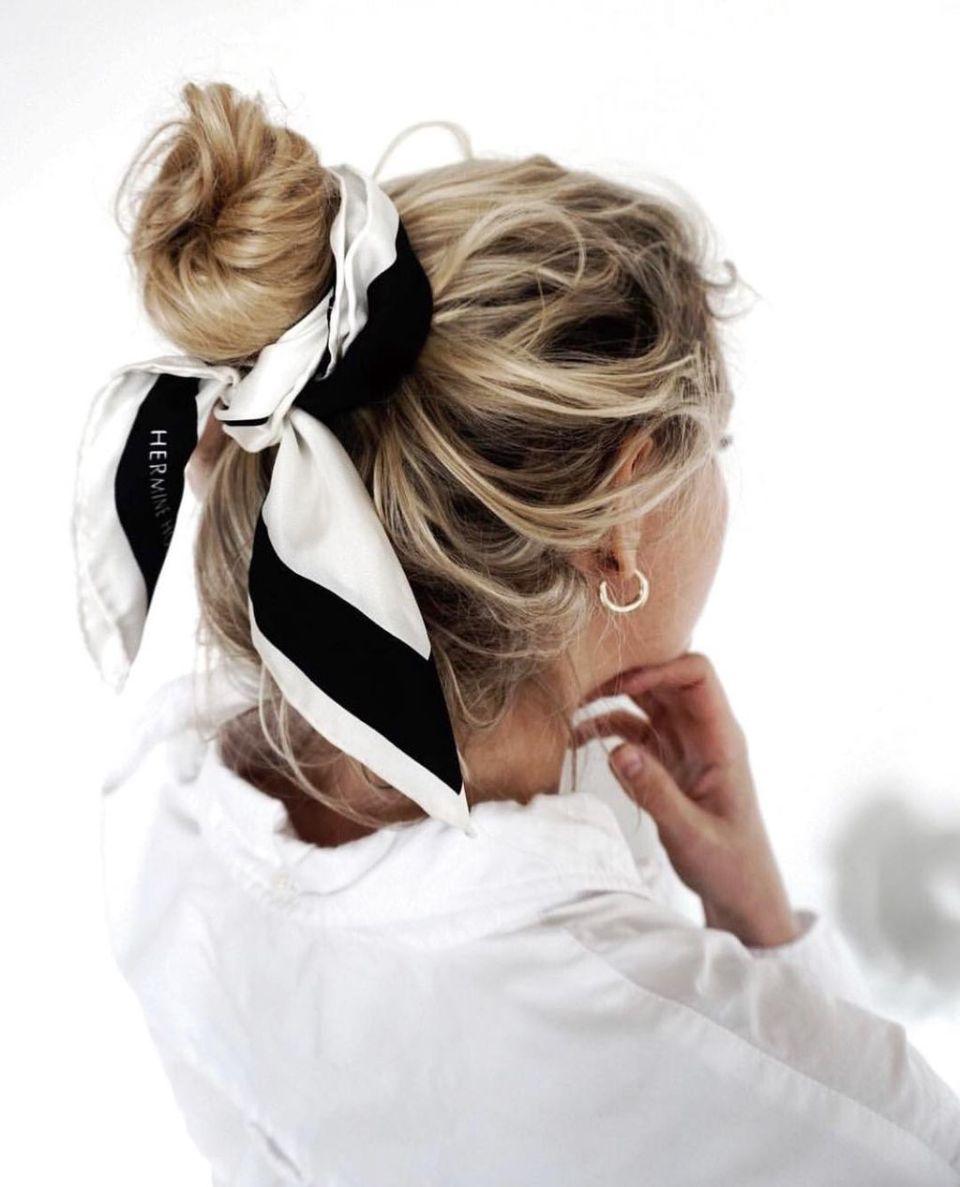 Signature Silk Scarf - Black & White