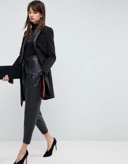 ASOS - Premium - Schmal zulaufende Hose aus Leder mit Paper-Bag-Taille - Schwarz