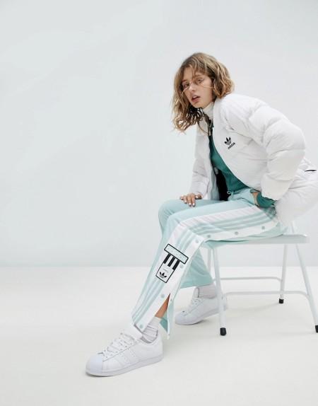 adidas Originals - adicolor - Hose in Mintgrün mit Druckknöpfen - Grün