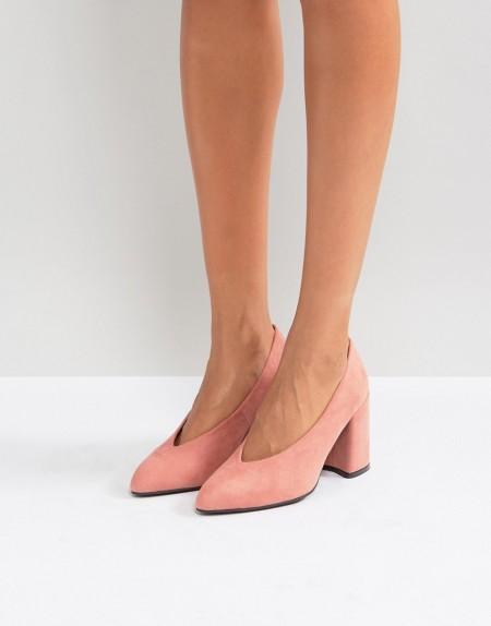 QUPID: Qupid - Schwarze, spitze High-Heels mit Blockabsatz und hoch geschnittener Oberseite - Rosa