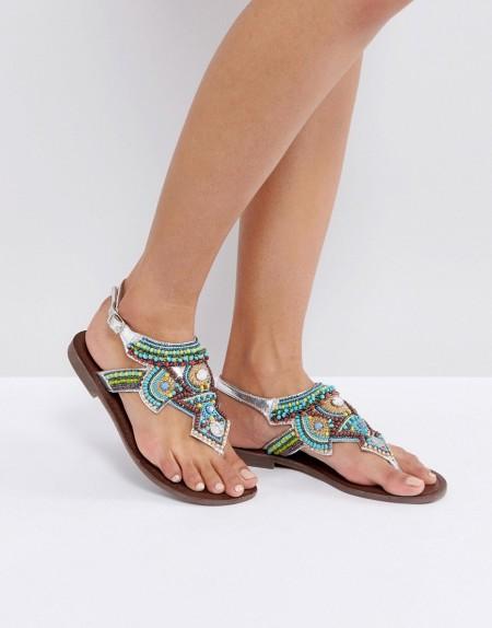 Park Lane - Sandalen mit perlenverziertem Zehensteg in Stone - Blau