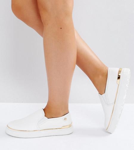 River Island - Sneaker zum Hineinschlüpfen aus Kunstleder, weite Passform - Weiß