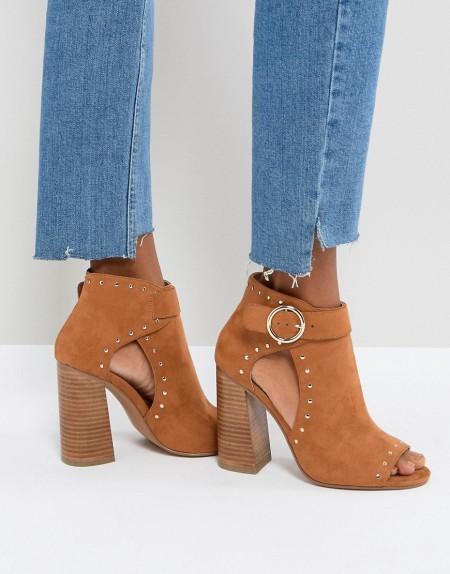 ASOS - TAMARA - Sandalen mit hohem Absatz und Nieten - Braun