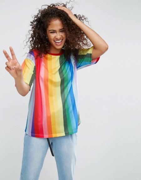 ASOS - Boyfriend-T-Shirt mit Regenbogen-Streifen - Mehrfarbig