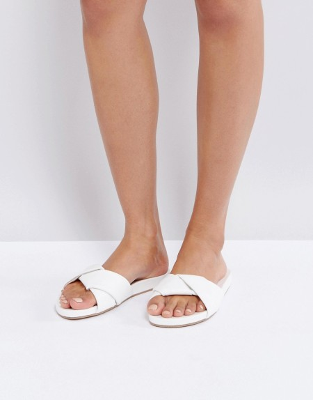 New Look - Flache Mules mit Wickeleffekt - Weiß