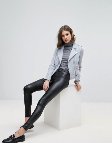 ONLY: Only - Mille - Enge Hose aus Kunstleder - Schwarz