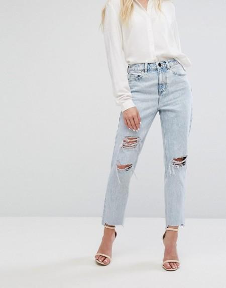 ASOS - RECYCLED ORIGINAL - Mom-Jeans in heller Radleigh-Waschung mit Abnutzungen - Blau