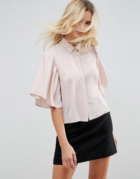 ASOS - Kurze Bluse mit Fledermausärmeln - Rosa