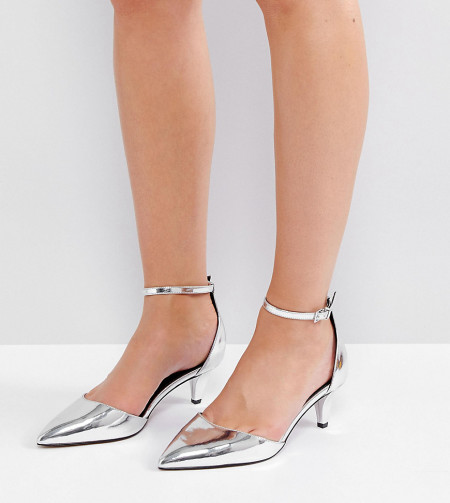 ASOS - SODA POP - Schuhe mit Kittenheel-Absatz in weiter Passform - Silber