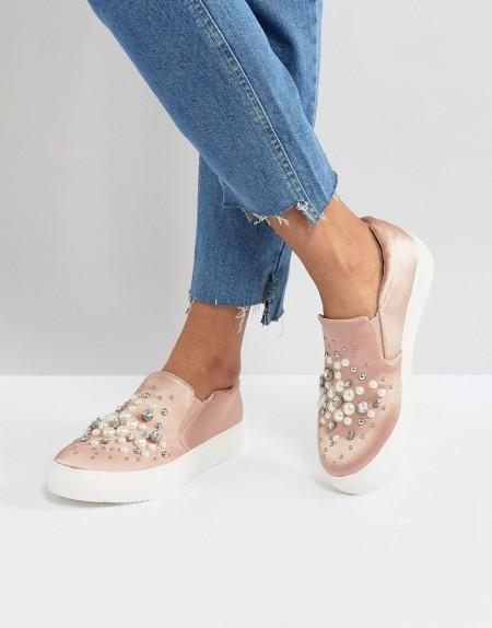 New Look - Sneaker zum Hineinschlüpfen aus Satin mit Perlendesign - Rosa