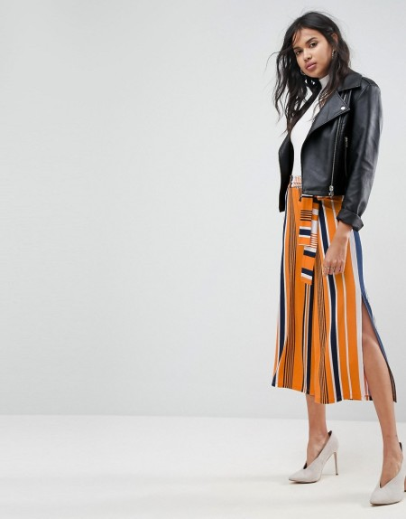 ASOS - Gestreifter Hosenrock mit weitem Beinschnitt, Seitenschlitzen und Schnürung an der Taille - Mehrfarbig