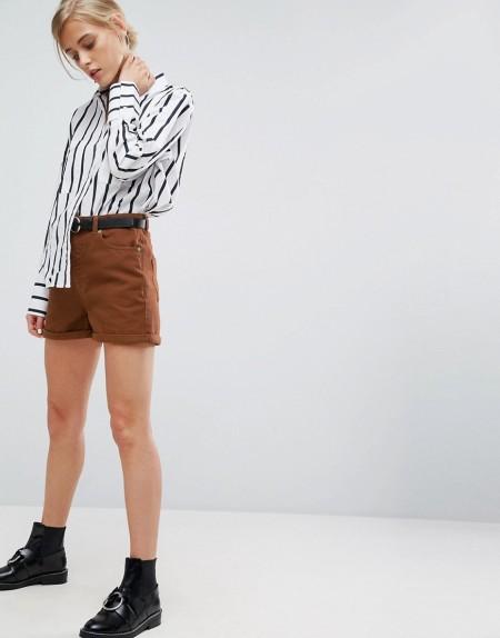 ASOS - Mom-Shorts aus schwerem Leinen mit Gürtel - Braun