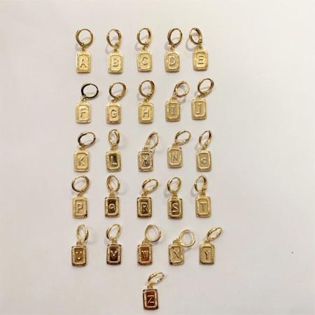Knocknok: Vergoldete Ohrringe Initialien