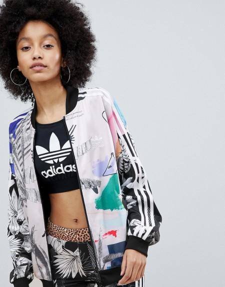 adidas Originals: adidas - Originals X Farm - Bomberjacke mit buntem Print - Mehrfarbig