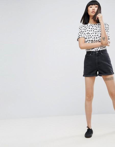 ASOS - Denim-Mom-Shorts in verwaschenem Schwarz - Schwarz