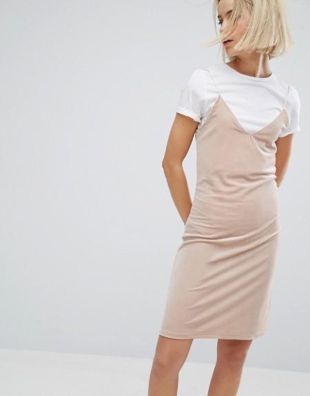 Moss Copenhagen - Camisolen-Kleid mit Lagen aus Samt - Beige