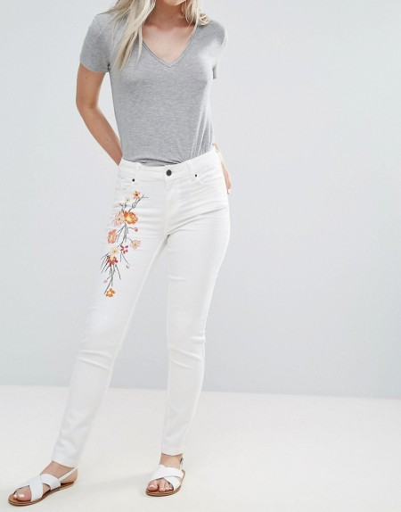 b.young: B.Young - Skinny-Jeans mit Stickerei - Weiß