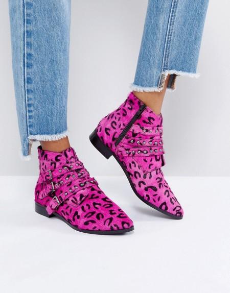 ASOS - ALERTED - Leder-Ankle-Boots mit Nieten - Rosa