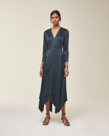 IVY & OAK: Kleid mit Rückenausschnitt