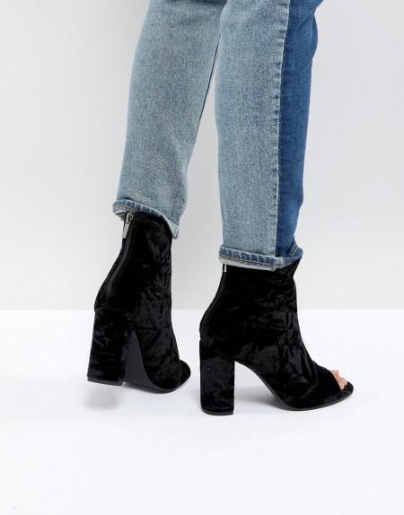 New Look - Stiefelette aus Samt mit Peeptoe und Blockabsatz - Schwarz
