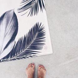 Eco Friendly Yoga Mat: Botanical Black 3,5 mm thick